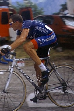 Snapshots of the Social Formation: The Agony and the Ecstasy of Lance Armstrong