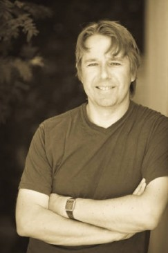 Fascinated Neutrality: An Interview with Alastair Reynolds