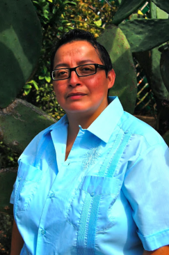 """Three Questions for Verónica Reyes Regarding Her Debut Poetry Collection, """"Chopper! Chopper!"""""""