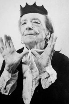 Shake Forth a Nest: Feminist Ekphrasis and the Example of Louise Bourgeois